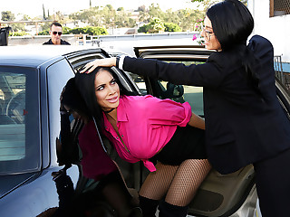 8th Street Latinas – Hooker On The Run