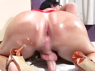 Brunette tranny fingers her asshole and squirts big cumload