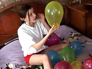 18 Magazine Ivy Summer 06 erotic video