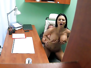 Doctor fucks Porn actress over desk