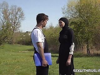 Outdoor sex with muslim Stacy Cruz